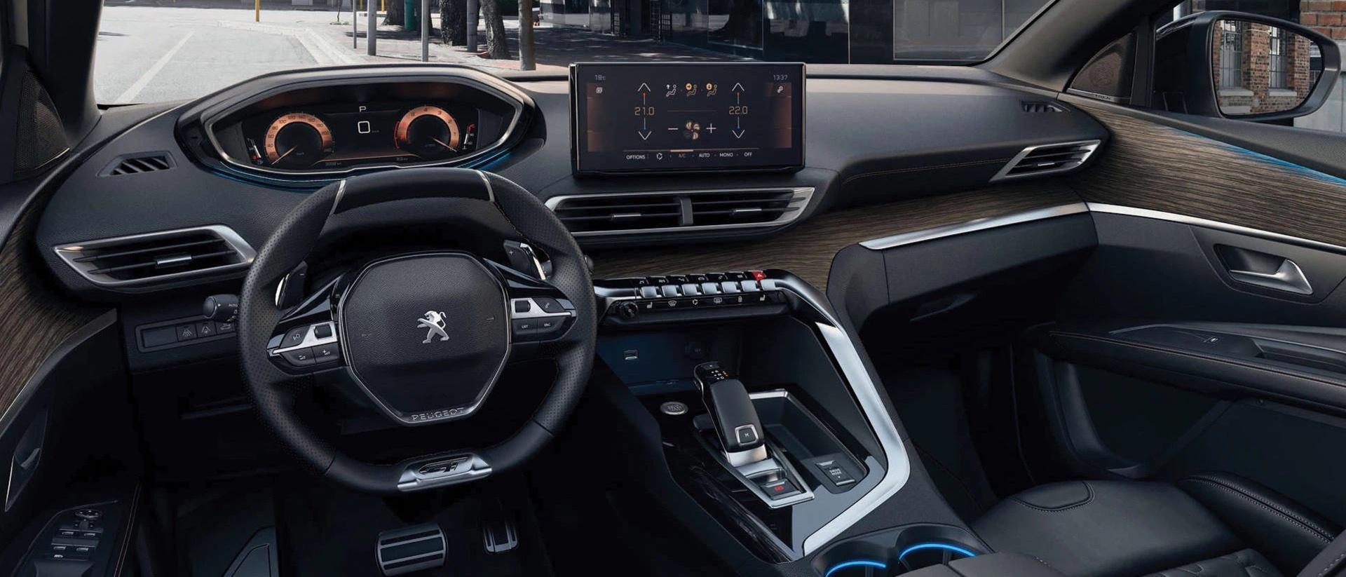 interior do Peugeot 5008