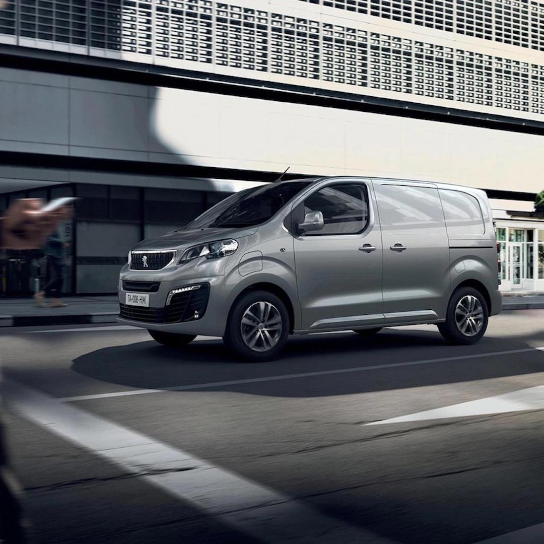 Peugeot Expert Furgão nas estradas